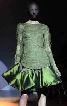 Fashion in Motion: Giles Deacon - Victoria and Albert Museum