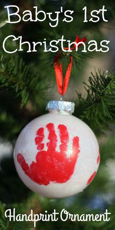 First Christmas Ornament: Such a sweet handprint ornament to commemorate the first magical Christmas of your little one!Babys First Christmas Ornament: Such a sweet handprint ornament to commemorate the first magical Christmas of your little one! Baby Christmas Crafts, Babys 1st Christmas, Baby First Christmas Ornament, Diy Christmas Ornaments, Baby Crafts, Simple Christmas, Kids Christmas, Holiday Crafts, Magical Christmas