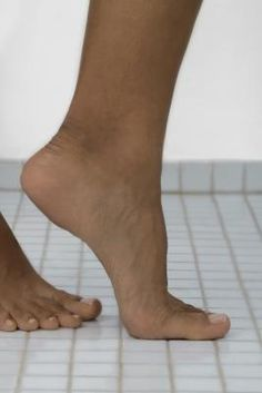 STEP-BY-STEP INSTRUCTIONS ON TOE EXERCISES AFTER BUNION SURGERY