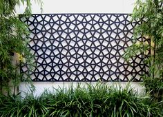 Black On White Exterior + Outdoor Living + Geo Screen 1200 By Garden Life