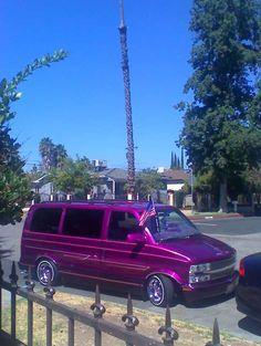 I could definitely ride in this! Chevy Astro Van, Chevy Van, Mini Trucks, Gmc Trucks, Volkswagen Beetle Vintage, Gmc Safari, Stunt Bike, Vanz, Day Van