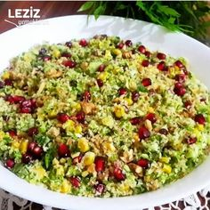 Broccoli salad with bulgur (a taste that suits your daily presentations) - Salad Rezepte Avocado Dessert, Avocado Recipes, Salad Recipes, Vegan Recipes, Easy Salads, Healthy Salads, Healthy Meals For Two, Easy Meals, Avocado Toast
