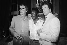 Michael Caine, Pelé e Sylvester Stallone.  Fonte: http://qga.com.br/mundo/2014/06/essas-fotos-raras-vao-revolucionar-sua-visao-sobre-o-passado