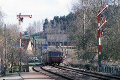 Nachschuss auf den ausfahrenden 998 794 in Bödigheim Electric Locomotive, Diesel Locomotive, Model Trains, Transportation, Scenery, Videos, Image, Pictures, Locomotive