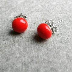 Red Studs Tomato Red Stud Earrings Small Red Stud by GLASPUNT