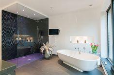 Interieur - Engelshove Clawfoot Bathtub, Bauhaus, Corner Bathtub, Bungalow, Bathroom, Website, Design, Houses, Living Room