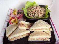 Recept na chutný salát plný bílkovin, vhodný např. jako náplň do sendvičů. | Veganotic