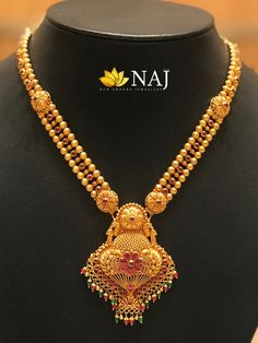Simple Gold Necklaces by Naj Jewellery Gold Temple Jewellery, Gold Jewellery Design, Gold Jewelry, Antique Jewellery, Bridal Jewellery, Gold Mangalsutra Designs, Gold Earrings Designs, Gold Designs, Antique Pearl Necklace
