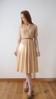 Creamy frilled tulip Japanese vintage dress xs small by kamomeya