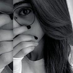 Muslim Couple Photography, Teenage Girl Photography, Photography Poses Women, Beautiful Girl Photo, Beautiful Girl Image, Beautiful Songs, Cute Girl Poses, Girl Photo Poses, Aesthetic Photography Grunge