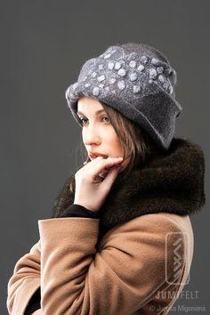 Wool and silk felt hat cloche.