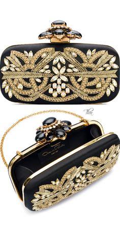 Trendy Women's Purses : Oscar de la Renta ● Resort Cabochon Goa Clutch Chanel Handbags, Purses And Handbags, Chanel Bags, Fashion Bags, Fashion Accessories, High Fashion, Fashion Ideas, Extreme Metal, Beaded Bags