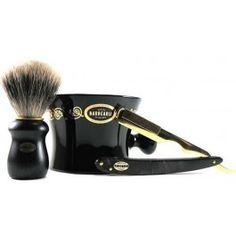 Castelo de Penela Gift Antiga Barbearia de Bairro, the set includes shaving…