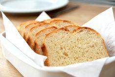 Hjemmebagt franskbrød vækker altid stor glæde, og bagningen fylder altid køkkenet og hjemmet med den dejligste lugt af nybagt brød.