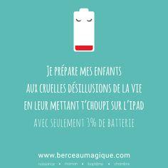 Batterie faible ! Humour Parent, Parenting Humor, True Quotes, Funny Quotes, Image Citation, Bad Mom, Cool Words, Sentences, Slogan