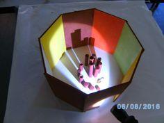 das 1. Modell des 8eckigen Raumes, in der Mitte ein spiralförmiges Gewinde
