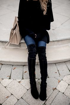 Knee high and over-the-knee boots are a superb shoe form to help transition your desired handle dresses and mini skirt into the cooler weeks. over the knee boot outfit black Black Boots Outfit, Winter Boots Outfits, Outfit Winter, Chilly Day Outfit, Night Outfits, Cute Outfits, Over The Knee Boot Outfit, Autumn Winter Fashion, Fall Fashion