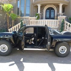 Custom built luxury trophy prerunner by Justin Morcom. This thing is unreal!