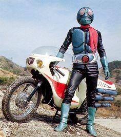 Kamen Rider 1 and Cyclone 仮面ライダー1号とサイクロン号 Steve Mcqueen, Kamen Rider, Ichigo Forms, Dbz, Hero Machine, Robot Cartoon, Japanese Superheroes, Japanese Monster, Blue Costumes