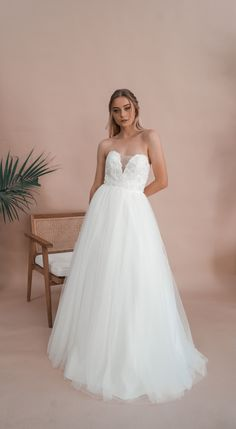 Inspired by the love for minimalistic elegance, Miss Scarlett is an Australian bridal label offering contemporary custom-made dresses for the bride looking for something a little more sophisticated and a little less traditional. Debutante Dresses, Deb Dresses, Bride Look, Serendipity, How To Feel Beautiful, Wedding Gowns, Ball Gowns, Neckline, Bridal