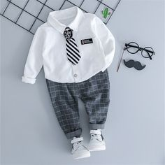 Baby / Toddler Necktie Shirt and Plaid Pants Set - Products - Roupas Infantis Baby Outfits Newborn, Baby Boy Outfits, Kids Outfits, Plaid Suit, Plaid Pants, Baby Boy Fashion, Kids Fashion, Baby Boy Dress, Matching Family Outfits