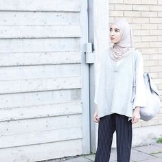 outfit from the other day  Sarf: @hautehijab  Vest & Culottes: @lightinthebox Bag: @zara_worldwide  #HHSpottedClub #lightinthebox #fashionwithfaith