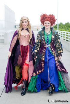 Sister Costumes, Group Halloween Costumes, Halloween 2017, Halloween Cosplay, Halloween Outfits, Adult Costumes, Halloween Queen, Winifred Sanderson Costume, Hallowen Ideas