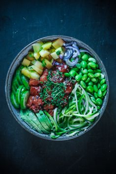 DIE ULTIMATIVE POKE BOWL | derultimativekochblog Hawaii, Food Inspiration, Yummy Treats, Sushi, Low Carb, Favorite Recipes, Healthy Recipes, Bowls, Ethnic Recipes