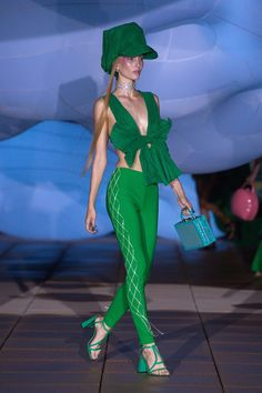 Area Spring 2019 Ready-to-Wear Fashion Show Collection: See the complete Area Spring 2019 Ready-to-Wear collection. Look 10 Ny Fashion Week, Fashion Trends, Net Fashion, Fashion Details, High Fashion, Fashion Outfits, Outfits With Hats, Trendy Clothes For Women, Fashion Show Collection