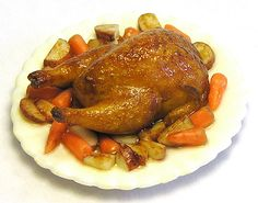 Kiva Atkinson roasted chicken with potatoes and carrots, incredibly realistic! Roasted Chicken And Potatoes, Roast Chicken, Skillet Chicken, Minis, Carrot Recipes, Tiny Food, Miniature Food, Miniature Crafts, Roasted Turkey