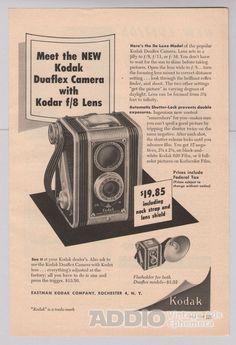 1949 Ad Eastman Kodak Rochester New York Kodar f 8 Lens Duaflex Advertisement Vintage Advertising Posters, Print Advertising, Vintage Advertisements, Vintage Ads, Vintage Images, Antique Cameras, Old Cameras, Vintage Cameras, History Of Photography
