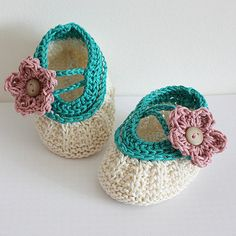 Adorable baby booties—knitting pattern❣ (instant pdf download) loasidellamaglia