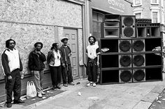 Our resident reggae lover Bee discusses its sound system culture in the UK and how it has blossomed over the years. Keeping things seasonal here at Sampleface, I want to pay homage to the seminal s