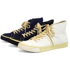 b2a201089bb9 8 Best Vintage Sneakers images