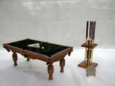 ~miniature pool table