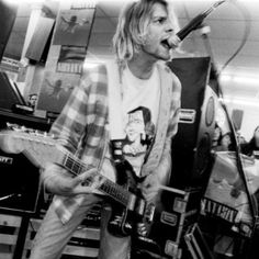 Nirvana at Beehive Records, Seattle, September 16, 1991 - Nevermind record release party