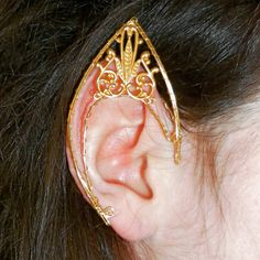 one renaissance elven elf ear cuff by seidijewelry on Etsy Wire Jewelry, Jewelry Art, Beaded Jewelry, Jewelery, Jewelry Accessories, Jewelry Design, Elf Ear Cuff, Ear Cuffs, Elf Ears