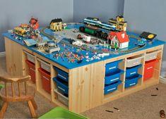 Organize your kids toys with Lego Storage Idea .- Organisieren Sie Ihre Kinder Spielzeug mit Lego Storage-Ideen Organize your kids toys with Lego Storage ideas - Legos, Lego Lego, Van Lego, Train Table, Lego For Kids, Lego Room, Toy Storage, Ikea Storage, Storage Ideas