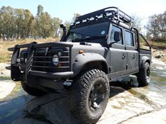 // WOOOW! Now that is one cool #LandRover! Great work by the #LINEX guys in South Africa!!