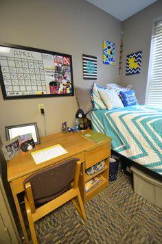 3424ec6063 2-student room in Broussard Hall. #LSU #LSUResLife Student Room, Common