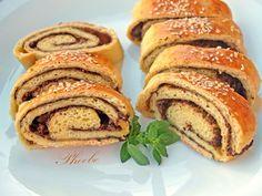 Ελιόπιτα ρολό – Νοστιμιές για όλους Pancakes, French Toast, Snacks, Baking, Breakfast, Food, Morning Coffee, Crepes, Patisserie
