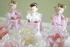 Meu bolo, topos e lembrancinhas lindas no tema ursinha princesa para a Surinha linda que completou 1 aninho!