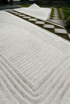 建仁寺の庭園 The sand garden at Kennin-ji, Kyoto, Japan
