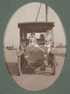 Digital Image - Nurses in Motor Car, Egypt, 1915-1917