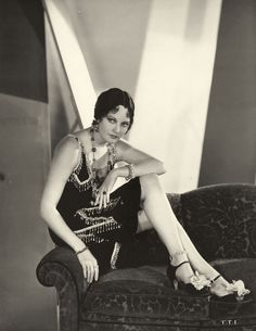 Classic Beauty With Tragic Life: Glamorous Photos of Thelma Todd in the and ~ vintage everyday Golden Age Of Hollywood, Vintage Hollywood, Hollywood Glamour, Hollywood Stars, Hollywood Actresses, Classic Hollywood, Hollywood Heroines, Harlem Renaissance, Divas
