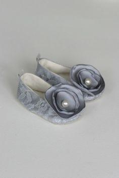 too die for baby girl shoes by AnaClaudiaPapiPrado