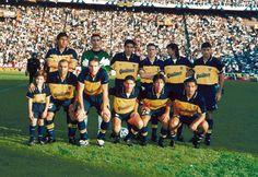 Boca Juniors Campeón del Torneo Clausura 1999.Parados: Bermúdez, Abbondanzieri, Riquelme, Arruabarrena, Traverso y Samuel. Hincados: Serna, Palermo, Cagna, Pereda y Barijho.