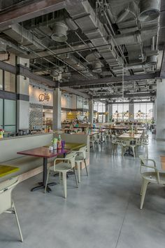 Industrial and at the same time artistic is the feeling when you visit the new restaurant, The Daily (part of Rove Hotels), which is located in the heart of Downtown Dubai - The Centre of Now. I was pleased to work with the talented Dutch team, FG stijl / Amsterdam - Interior Design