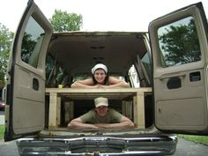 Build a Bed in the Back of your Van Lee for the VW bus! Vw Camping, Family Camping, Camping Hacks, Glamping, Minivan Camping, Camping Ideas, Diy Van Conversions, Camper Conversion, Van Bed
