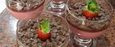 Foto - Receita de Mousse de Morango com Cobertura de Chocolate